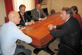 El Ajuntament reducirá la factura municipal de telefonía en un 50%