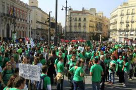 Miles de personas de toda España  claman por la educación pública