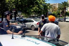 La Policía Portuaria intercepta a un hombre que vendía sin autorización tarjetas SIM en Palma