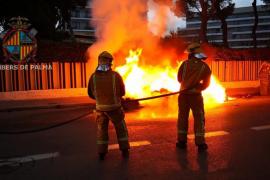 La oleada de incendios de contenedores es obra de un grupo de jóvenes