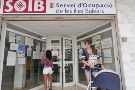 El paro se redujo en todas las comunidades, sobre todo en Baleares