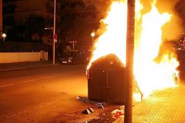Cort contabiliza 110 contenedores incendiados desde Navidad