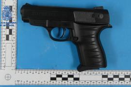 La Policía Nacional detiene en Manacor a un joven por un atraco con una pistola simulada