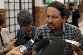 Pablo Iglesias despide a Rajoy como un «político elegante» que se ganó su respeto