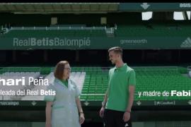 Fabián y su madre, estrellas de la espectacular campaña de abonados del Betis