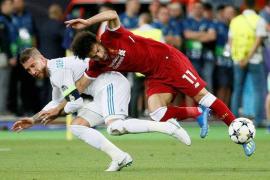 Sergio Ramos se defiende por las lesiones de Salah y Karius