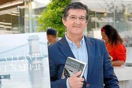 Miguel Ferrer Sancho publica su debut narrativo, 'La llave del saber'