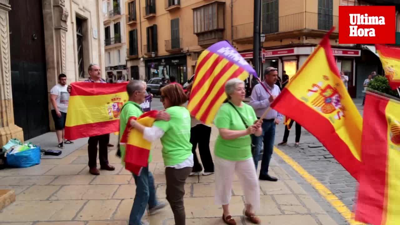 Más de cien personas se concentran en Palma por «la libertad y la unidad de España»