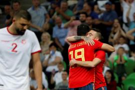 Aspas sale al rescate de España