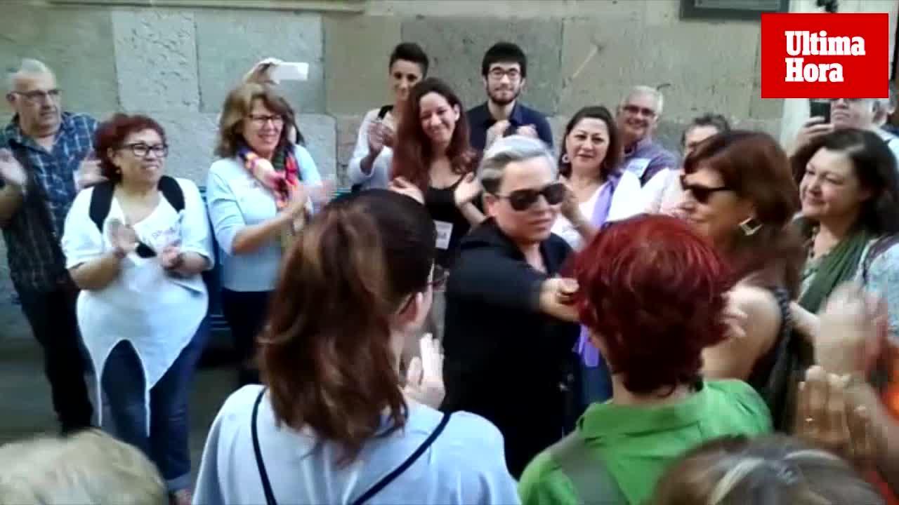 Concentración frente a la Audiencia en apoyo a Sonia Vivas