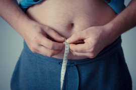 Escayolarse la barriga, nueva técnica para lograr un vientre plano