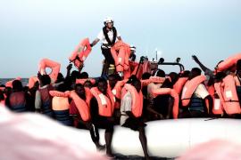 Sánchez da instrucciones para que Valencia acoja a los 629 inmigrantes del barco Aquarius