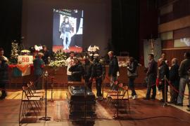 Cientos de personas acuden a dar el último adiós a Simoncelli