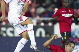El Sporting asesta el primer golpe al Mallorca de Caparrós (1-2)