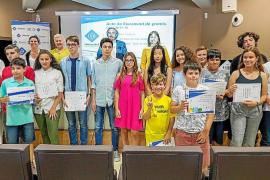 La UIB da los premios de sus 'Olimpiades escolars' y las pruebas 'Cangur'