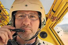 Las labores de búsqueda de la avioneta desaparecida se centran en el mar