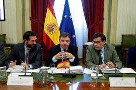 El PP pide la dimisión del ministro de Agricultura por su imputación en el robo de agua de Doñana