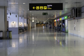 El Parlament insta al Gobierno y a Aena a mejorar las condiciones laborales de los empleados en los aeropuertos de Baleares