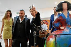Domingo Zapata: «Quiero que el público sonría con mis cuadros, para eso los pinto»