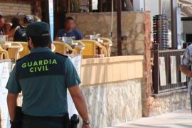 La Guardia Civil detiene a ocho personas en Magaluf por tráfico de drogas