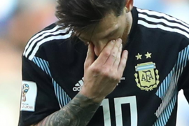 La Argentina de Messi tropieza en su debut