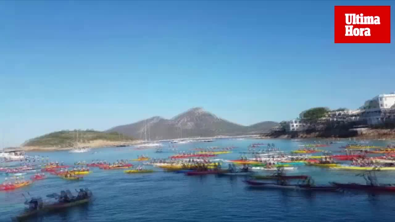 Unos 500 palistas participan en la XXVI Vuelta a la Dragonera en piragua