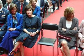 Cospedal y Santamaría se disputarán el liderazgo del PP, con Casado como tercera vía