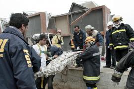 Saqueos y dolor  tras el seísmo que ya ha causado más de 700 muertos en Chile