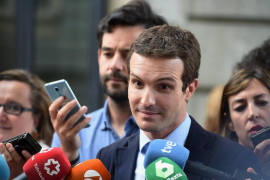 Casado se presenta como candidato de «unidad» y rechaza integrarse con Santamaría o Cospedal