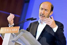 Rubalcaba propone abaratar la contratación para crear empleo