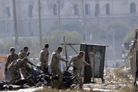 Mueren cuatro afganos y trece soldados de la OTAN en ataque suicida en Kabul