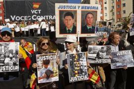 Miles de ciudadanos exigen que ETA se rinda sin condiciones y pida perdón