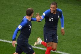 Mbappé mete a Francia en octavos