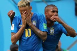 Coutinho y Neymar rescatan a Brasil en el descuento