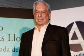 Mario Vargas Llosa recibe el alta tras su golpe en la cadera