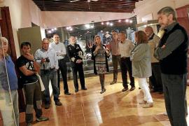 El Museo de San Carlos expone una  muestra de uniformes, banderas e historia