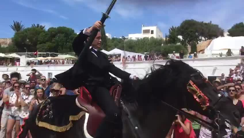 Los 'jocs i corregudes des Pla', espectáculo y riesgo en las fiestas de Sant Joan de Ciutadella