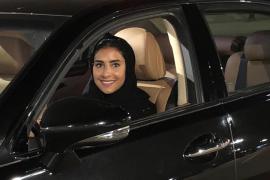 Las mujeres saudíes celebran el fin del veto al volante
