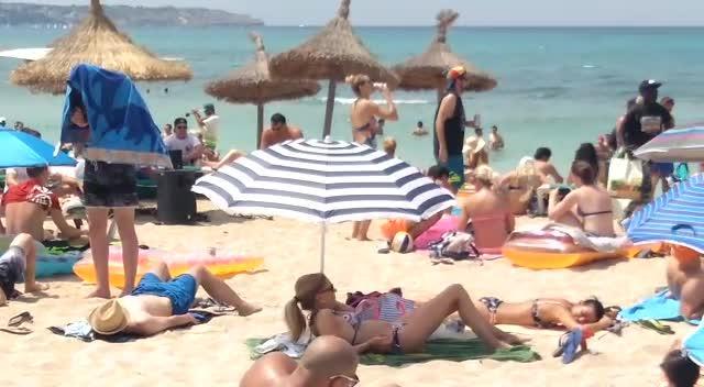 Vecinos de la Playa de Palma denuncian la falta de control en la zona