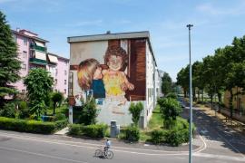 El artista Joan Aguiló plasma la esencia de los habitantes de Mantua en un gran mural