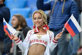 Descubren que la aficionada más sexy del Mundial es una estrella del porno