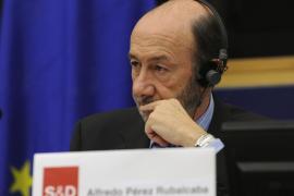 Rubalcaba: «Si pierdo, lo primero que haré será sentarme a pensar»