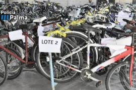 La Policía Local de Palma entrega a Cáritas y Deixalles 166 bicicletas abandonadas