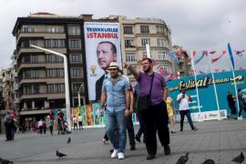 La Fiscalía de Turquía ordena la detención de otros 121 militares por golpismo