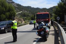 Un pequeño fuego causa alarma y retenciones en la carretera de Palma a Andratx