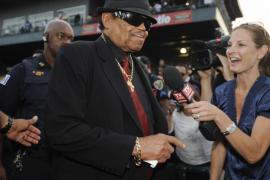 El padre de Michael Jackson fallece a los 89 años