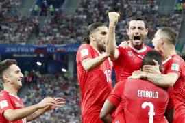 Suiza cumple, Costa Rica se despide con honor