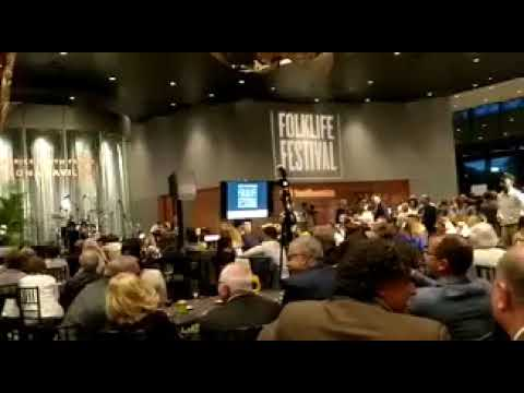 Torra abandona un acto en Washington molesto por el discurso de Morenés