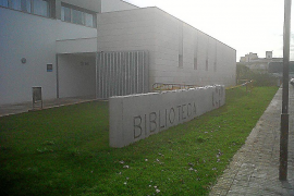 Acordonada por desperfectos la biblioteca de Can Picafort, inaugurada el 26 de marzo