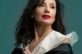Luz Casal recala en el Auditórium de Palma con las canciones de 'Que corra el aire' y sus éxitos
